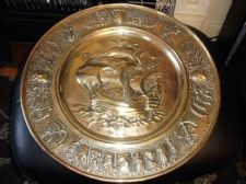 VINTAGE SOLID BRASS WALL DISH DEEP 3D GALLEON & LIONS & ANCHORS & CRESTS 17.5""